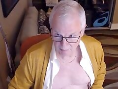dad masturbates on web cam